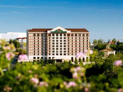 Grand Plaza Hotel from Branson Strip