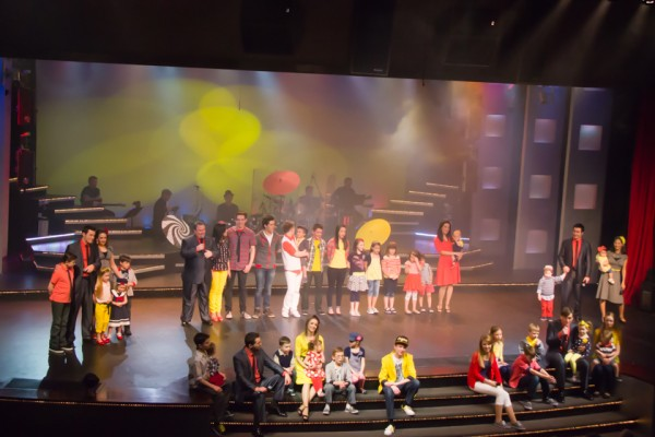 """The beautiful and touching  conclusion performance of the whole family performance of  """"So Happy Together."""""""