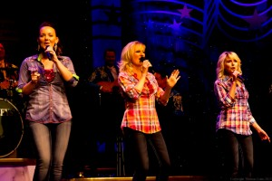 Vocalists Ambrus Presley, Kimberly Barber, and Devonna Wickizer