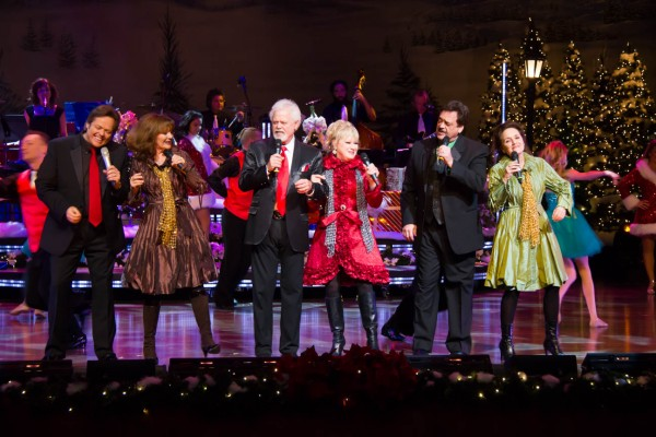 The Osmonds and Lennon Sisters opening the show, Jimmy, left, Cathy, Merrill, Janet, and Jay.