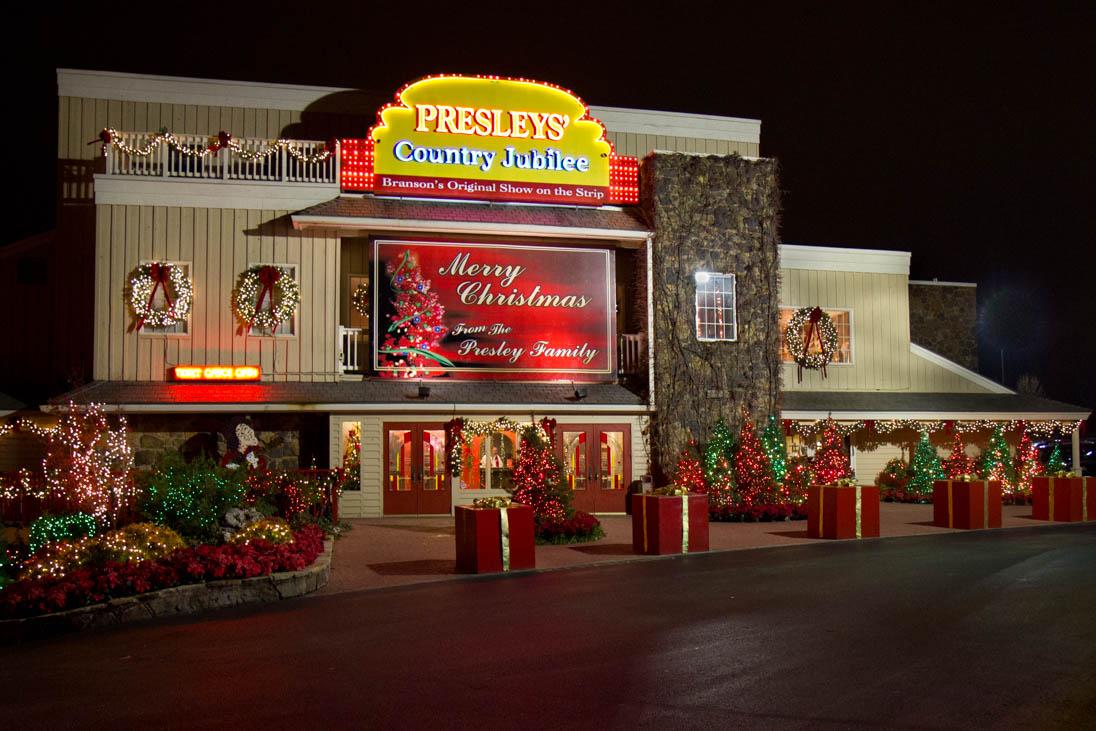 Presleys Christmas Outside Of Theatre